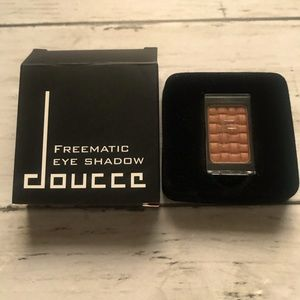 Doucce Freematic Eye Shadow in 62 Kristi Shimmer